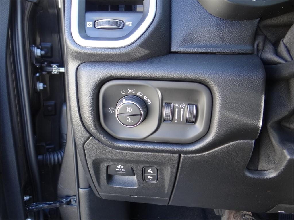 2019 Ram 1500 Crew Cab 4x2,  Pickup #R1896 - photo 16