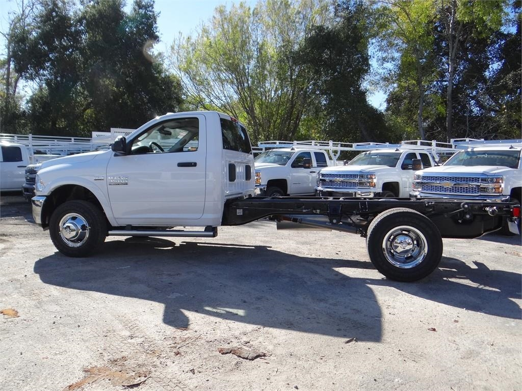 2018 Ram 3500 Regular Cab DRW 4x2,  Cab Chassis #R1898T - photo 6
