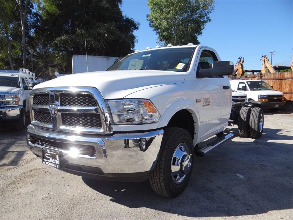 2018 Ram 3500 Regular Cab DRW 4x2,  Cab Chassis #R1898T - photo 7