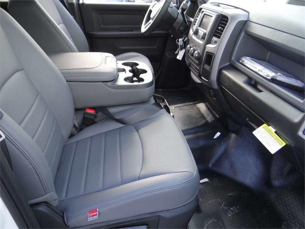 2018 Ram 5500 Crew Cab DRW 4x2,  Contractor Body #R1915T - photo 26