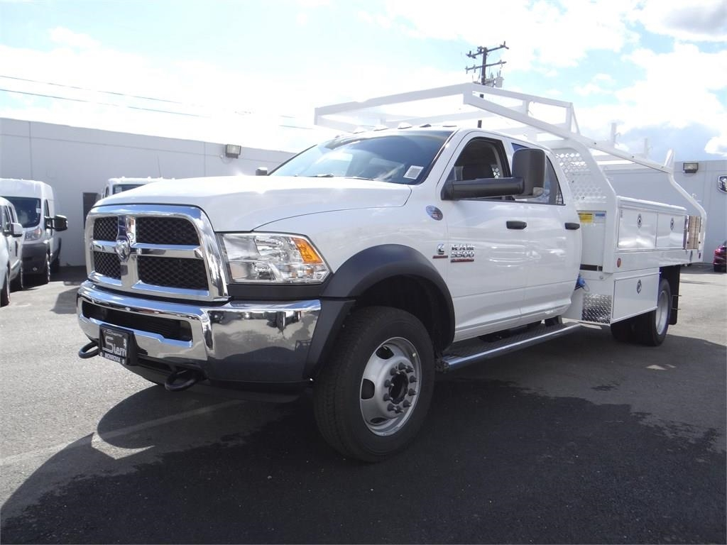 2018 Ram 5500 Crew Cab DRW 4x2,  Royal Contractor Body #R1919T - photo 7
