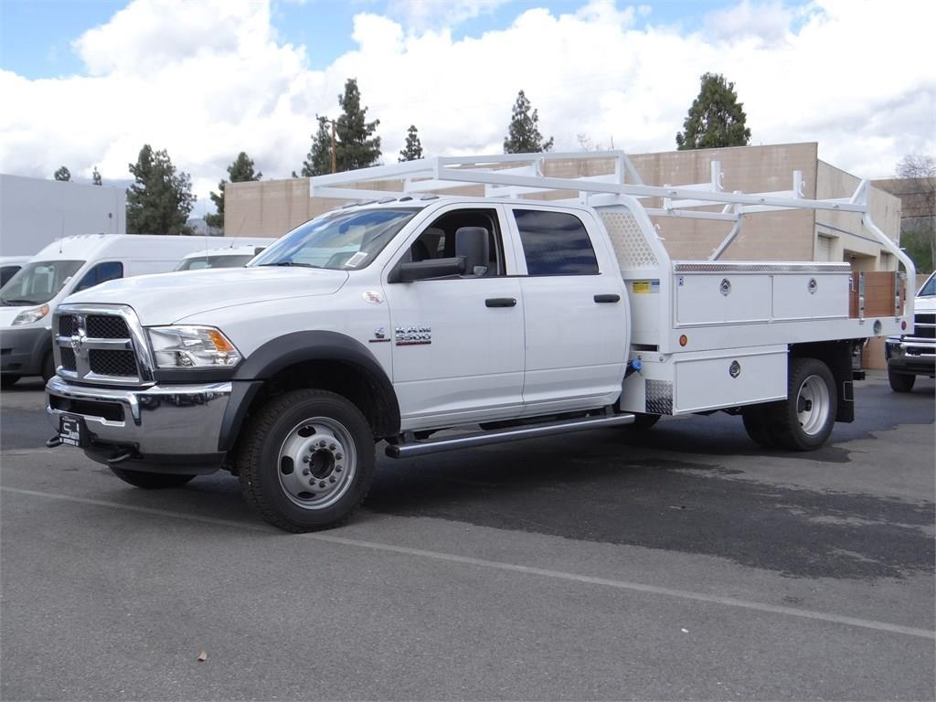2018 Ram 5500 Crew Cab DRW 4x4,  Royal Contractor Body #R1926T - photo 6