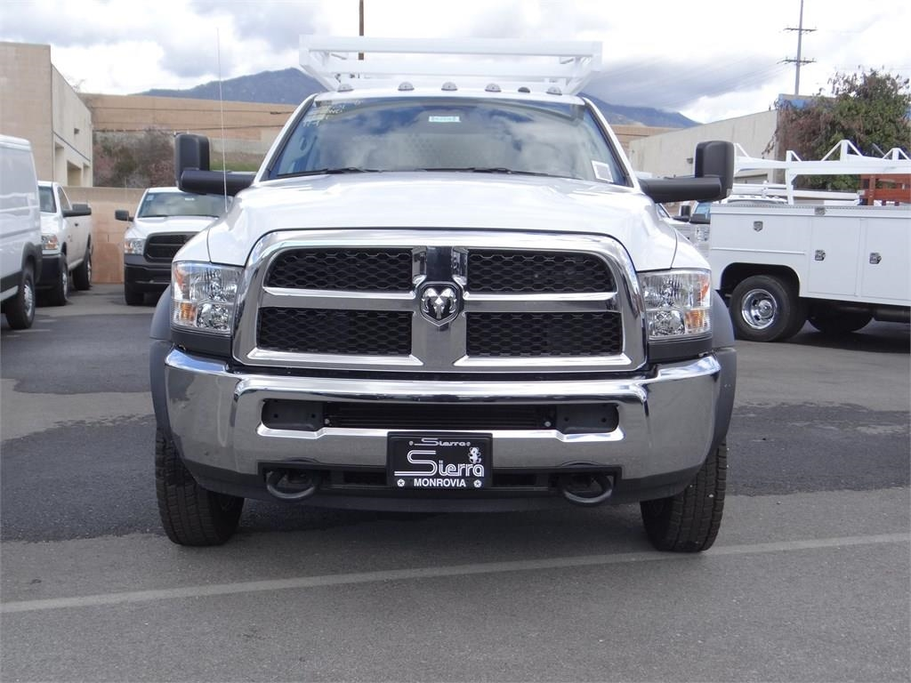 2018 Ram 5500 Crew Cab DRW 4x4,  Royal Contractor Body #R1926T - photo 7