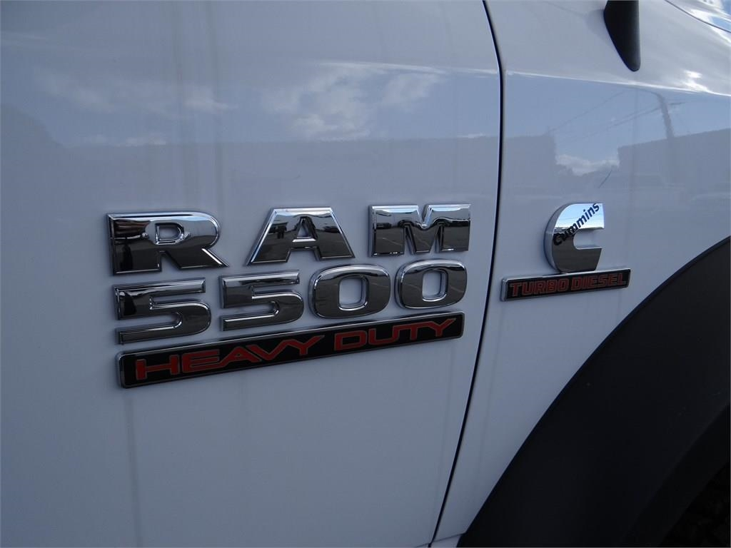 2018 Ram 5500 Crew Cab DRW 4x4,  Royal Contractor Body #R1926T - photo 25
