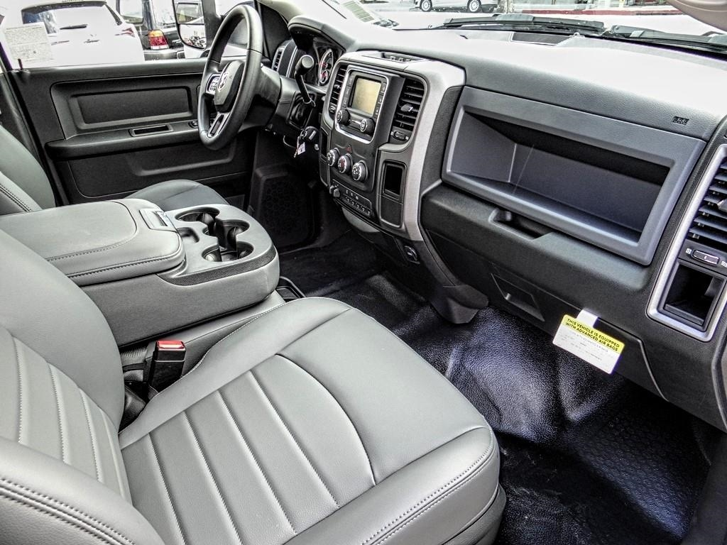 2018 Ram 4500 Crew Cab DRW 4x2,  Royal Contractor Body #R1965T - photo 17