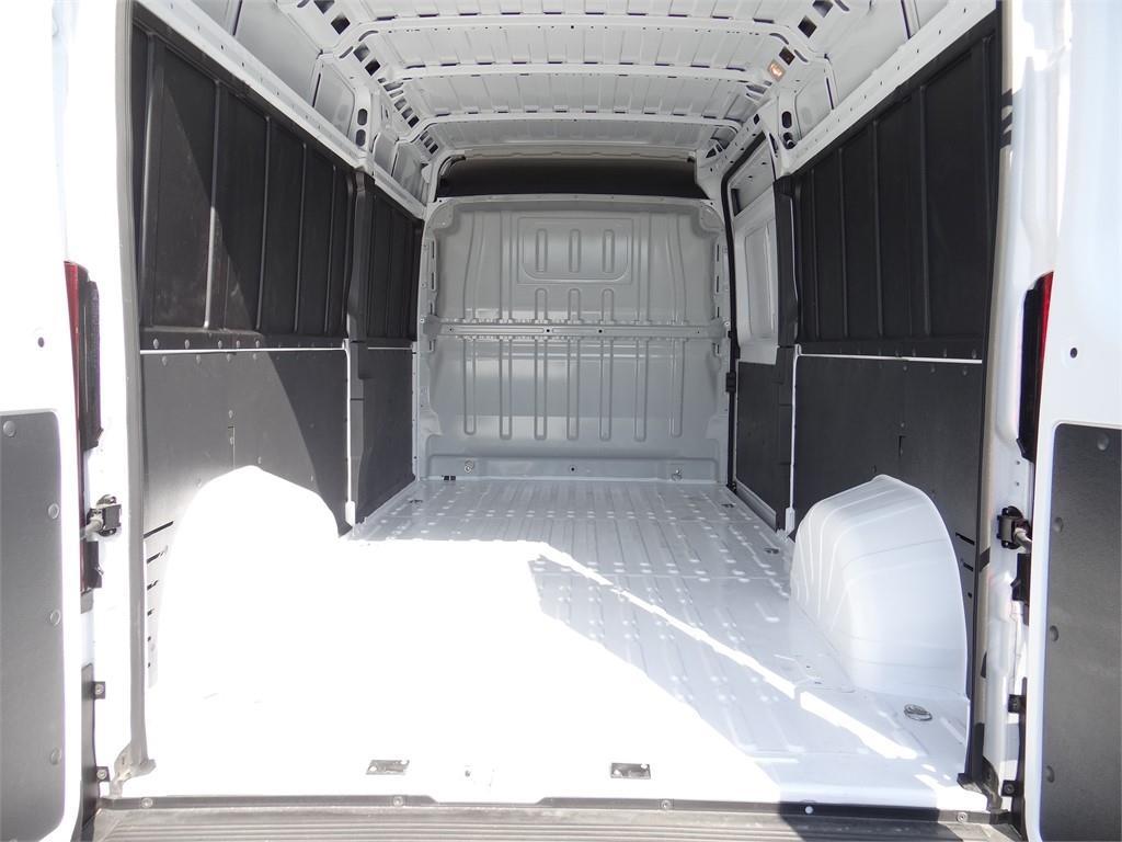 2019 ProMaster 2500 High Roof FWD,  Empty Cargo Van #R2090T - photo 2