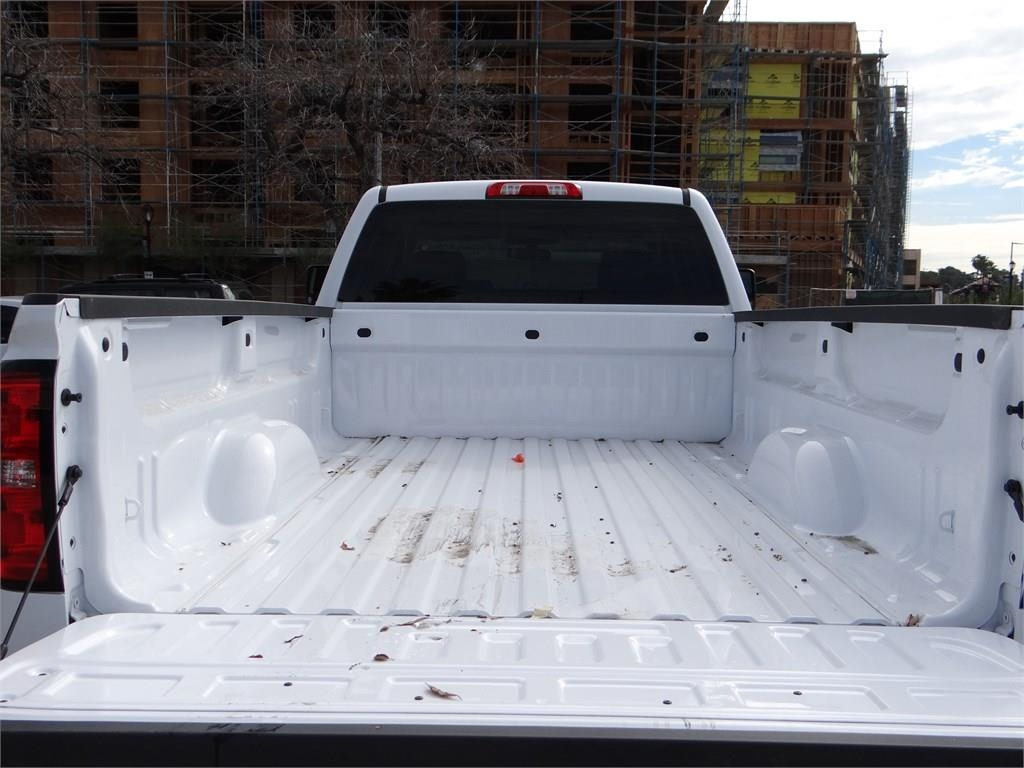 2018 Silverado 2500 Double Cab 4x2,  Pickup #C156951 - photo 18