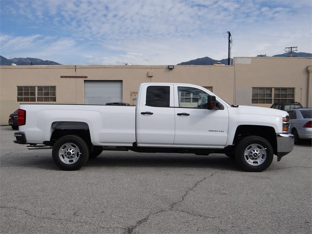 2018 Silverado 2500 Double Cab 4x2,  Pickup #C156951 - photo 3