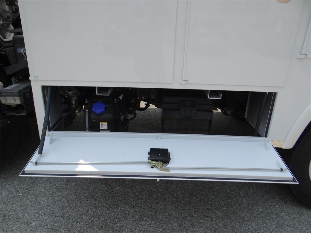 2018 LCF 5500XD Regular Cab,  Service Body #C157086 - photo 21
