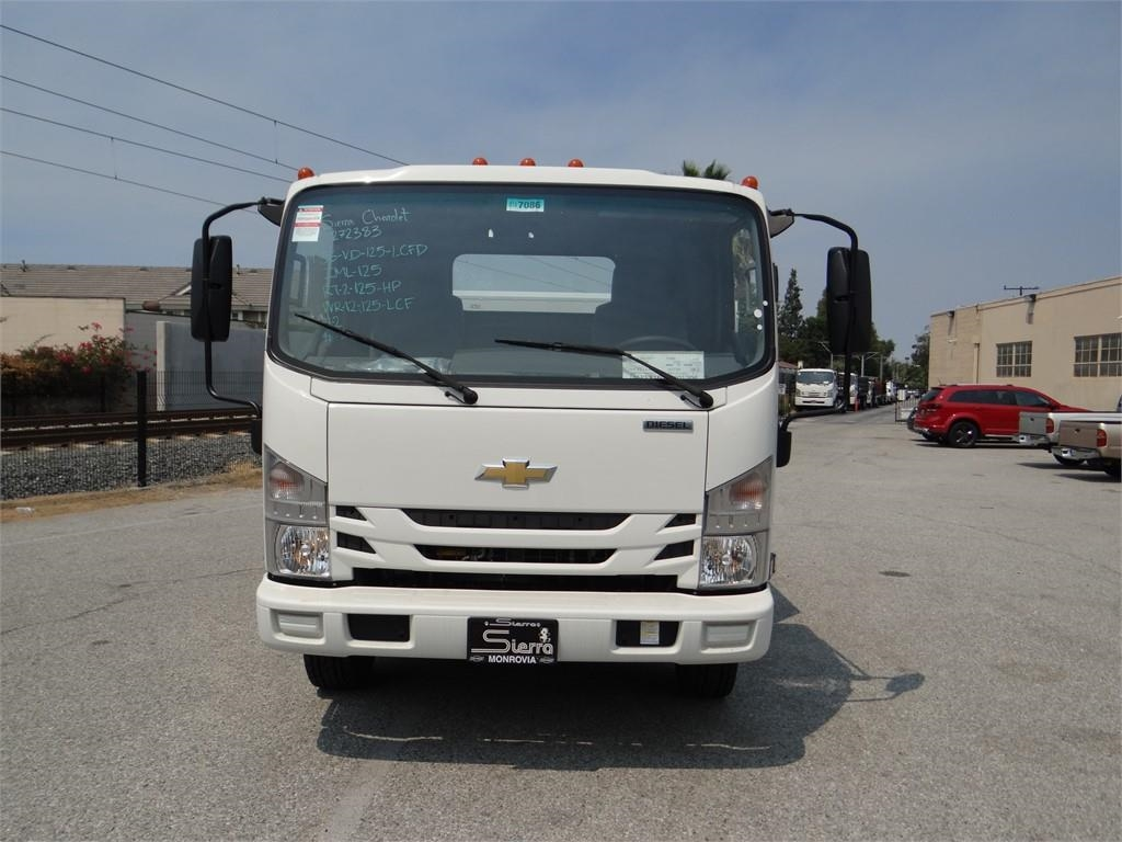 2018 LCF 5500XD Regular Cab,  Service Body #C157086 - photo 8