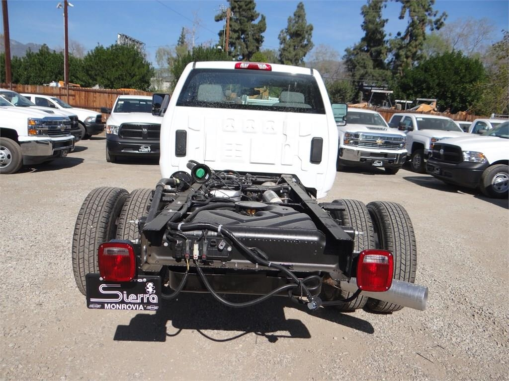 2018 Silverado 3500 Regular Cab 4x2,  Cab Chassis #C157350 - photo 4