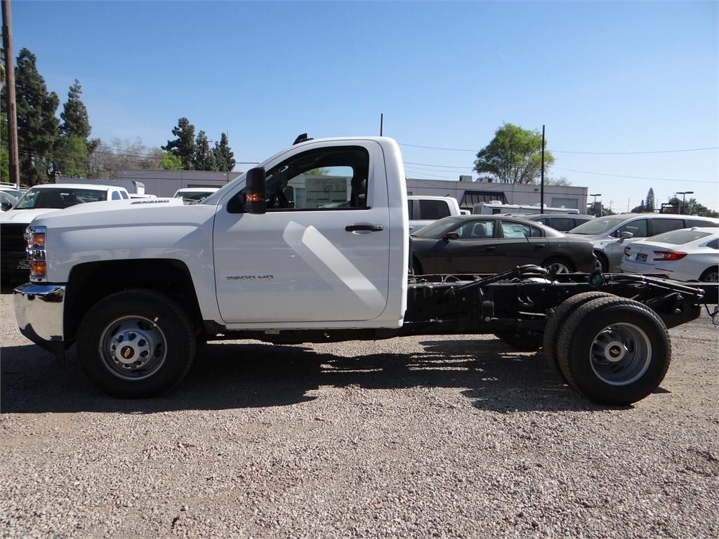 2018 Silverado 3500 Regular Cab 4x2,  Cab Chassis #C157350 - photo 6