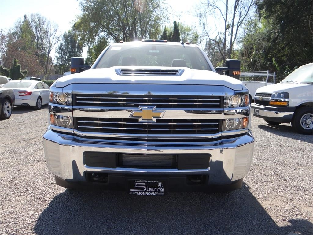 2018 Silverado 3500 Regular Cab 4x2,  Cab Chassis #C157350 - photo 8