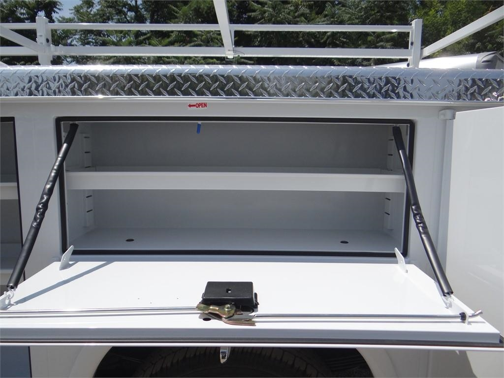 2019 Silverado 3500 Crew Cab 4x2,  Royal Service Body #C158049 - photo 20
