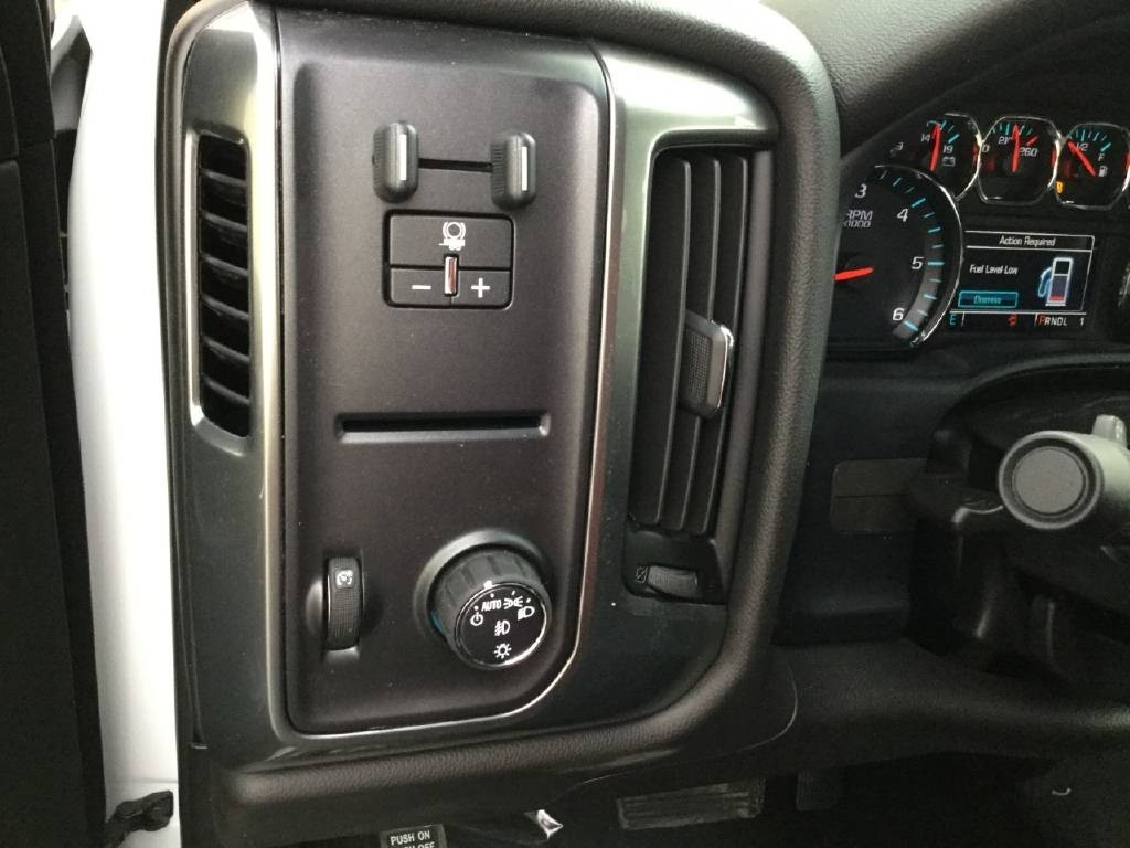2019 Silverado 2500 Crew Cab 4x2,  Royal Service Body #C158755 - photo 15