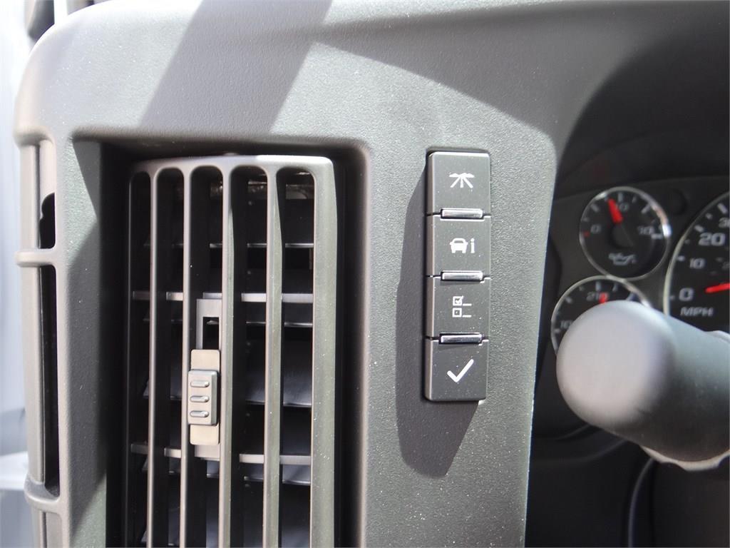 2019 Express 3500 4x2, Morgan Parcel Aluminum Cutaway Van #C158817 - photo 12