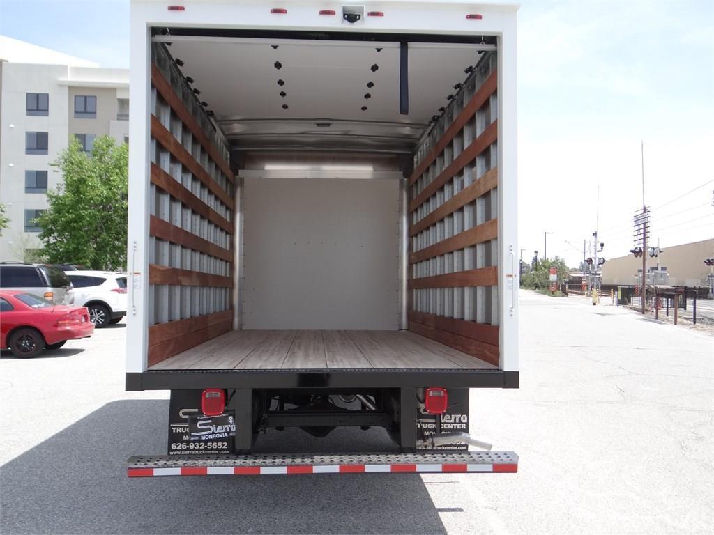 2019 Express 3500 4x2, Morgan Parcel Aluminum Cutaway Van #C158995 - photo 5