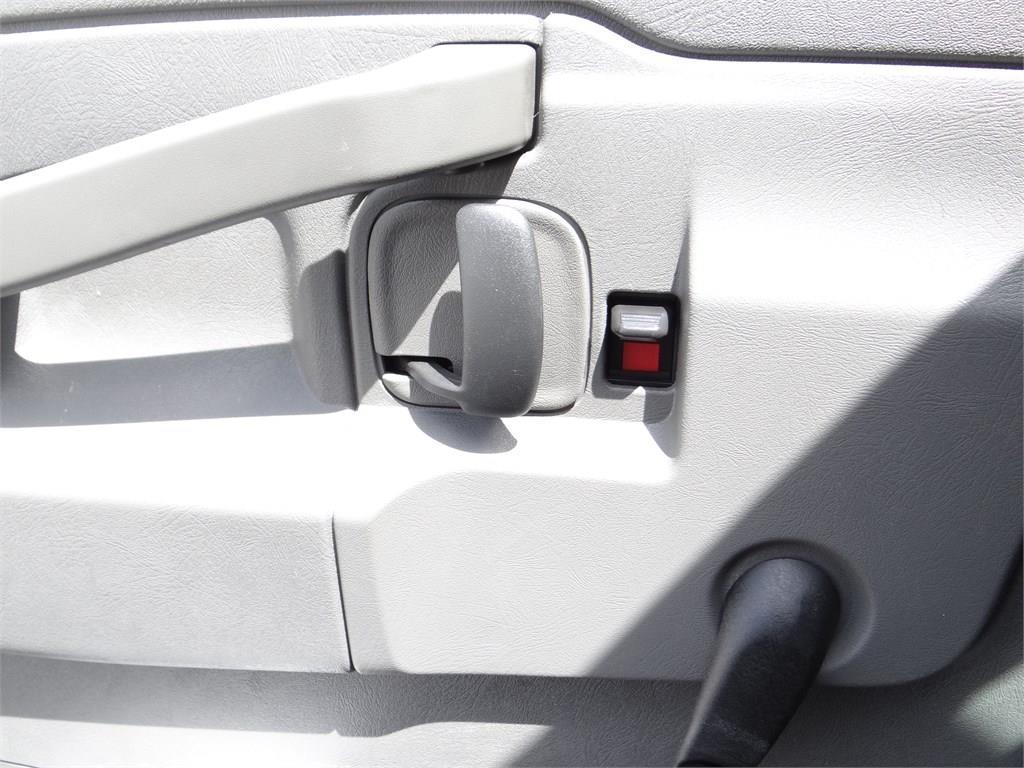 2019 Express 3500 4x2, Morgan Parcel Aluminum Cutaway Van #C158995 - photo 13