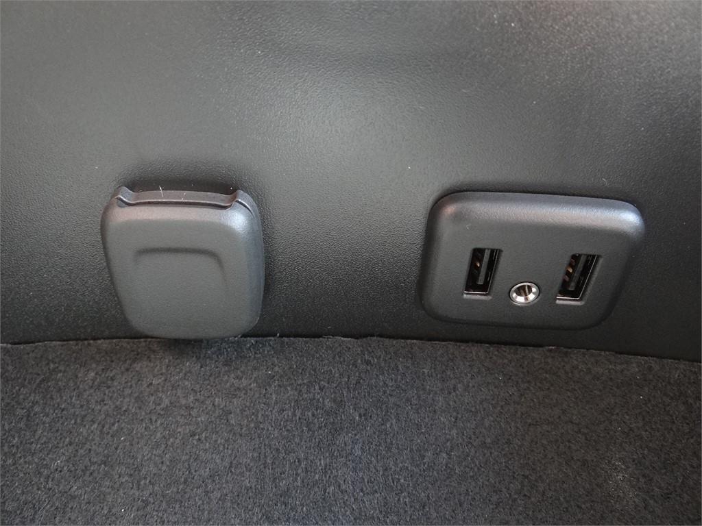 2019 Chevrolet Silverado 5500 Regular Cab DRW 4x2, Royal Contractor Body #C159283 - photo 8