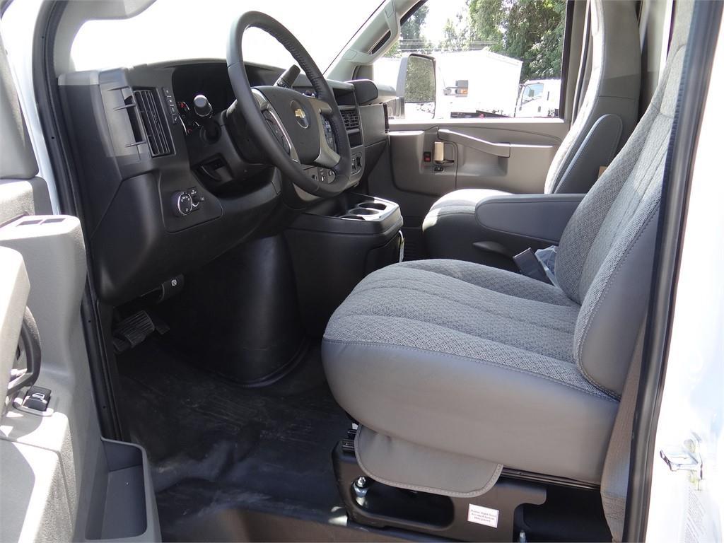 2019 Express 3500 4x2,  Supreme Iner-City Cutaway Van #C159361 - photo 3
