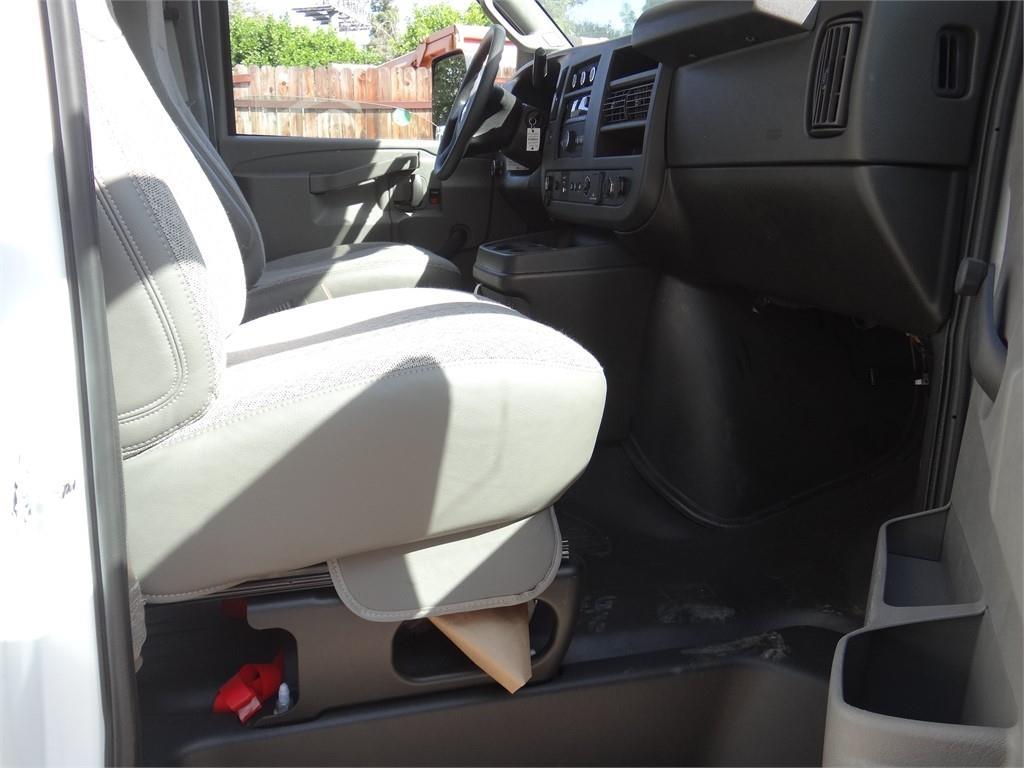 2019 Express 3500 4x2, Morgan Mini-Mover Cutaway Van #C159474 - photo 9