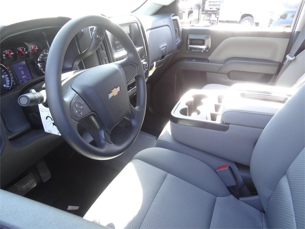 2019 Silverado 2500 Double Cab 4x2, Royal Service Body #C159550 - photo 3