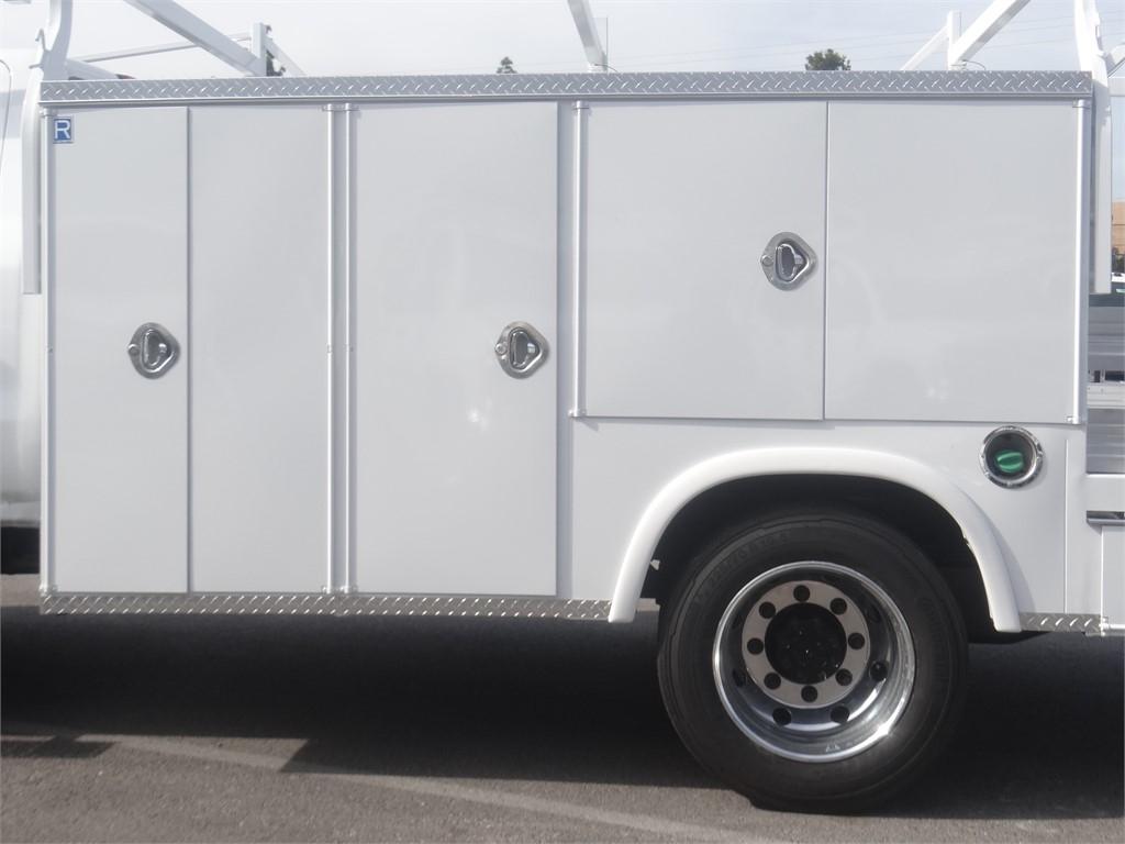 2019 Silverado 5500 Regular Cab DRW 4x2, Royal Service Combo Body #C159800 - photo 14