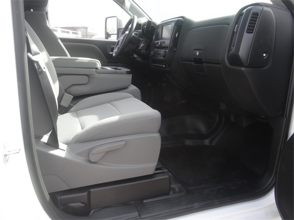 2019 Silverado 5500 Regular Cab DRW 4x2, Royal Service Combo Body #C159800 - photo 9