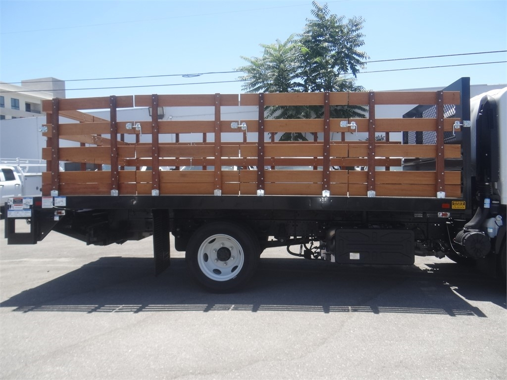 2020 Chevrolet LCF 5500HD Regular Cab 4x2, Metro Truck Body Stake Bed #C159846 - photo 11
