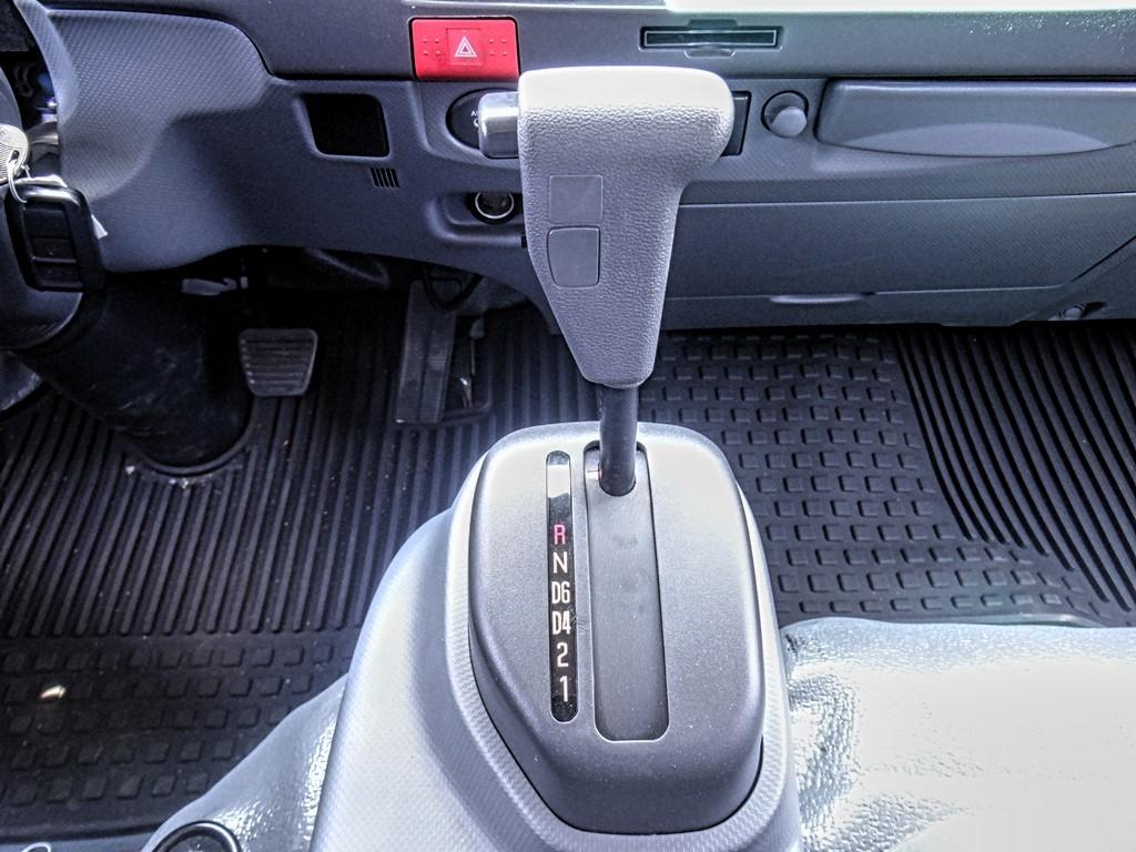 2019 Chevrolet LCF 4500 Regular Cab 4x2, Metro Truck Body Stake Bed #C159855 - photo 8