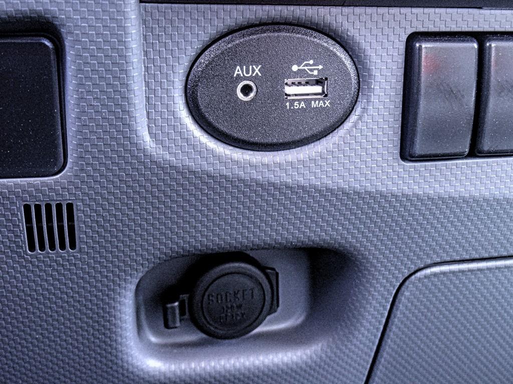 2019 Chevrolet LCF 4500 Regular Cab 4x2, Metro Truck Body Stake Bed #C159855 - photo 9