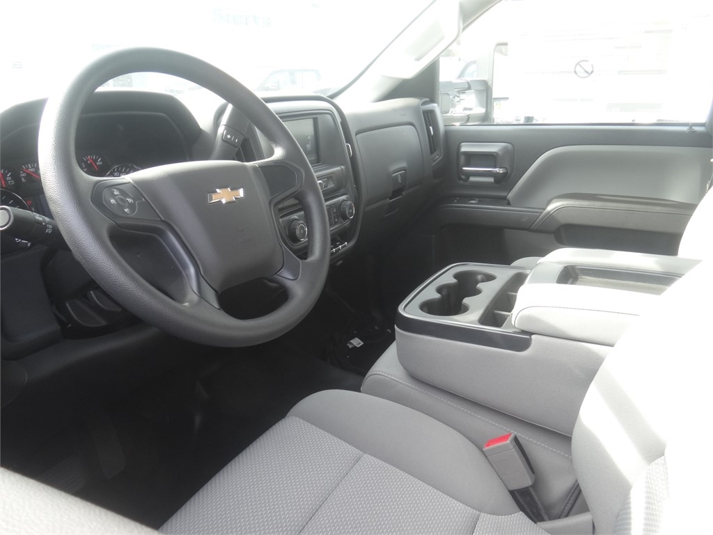 2019 Silverado 5500 Regular Cab DRW 4x2, Royal Contractor Body #C159971 - photo 3