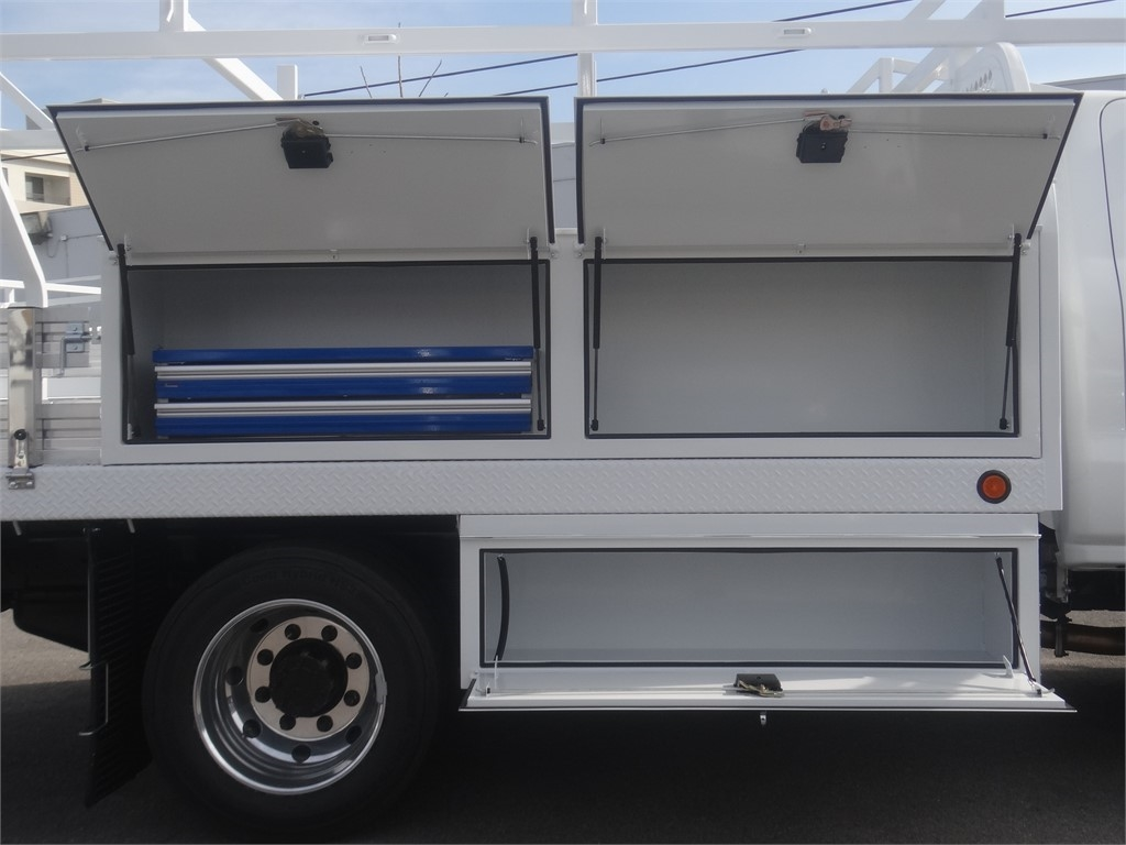 2019 Silverado 5500 Regular Cab DRW 4x2, Royal Contractor Body #C159971 - photo 10