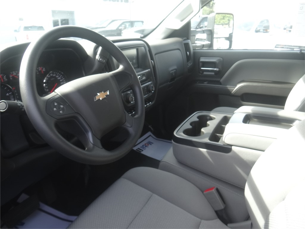 2019 Chevrolet Silverado 5500 Regular Cab DRW 4x2, Royal Contractor Body #C160017 - photo 3