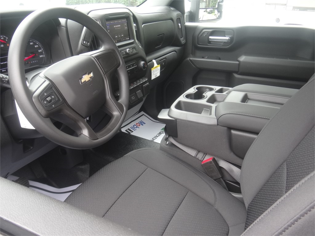 2020 Chevrolet Silverado 2500 Regular Cab 4x2, Pickup #C160029 - photo 3