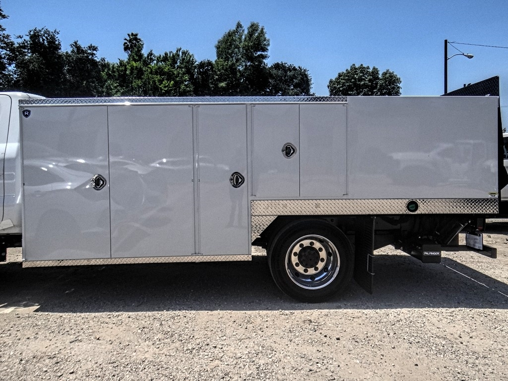 2019 Silverado 5500 Regular Cab DRW 4x2, Royal Service Body Saw Body #C160114 - photo 14