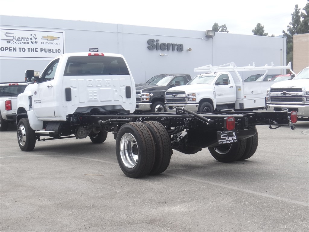 2020 Chevrolet Silverado 6500 Regular Cab DRW 4x4, Cab Chassis #C160146 - photo 1