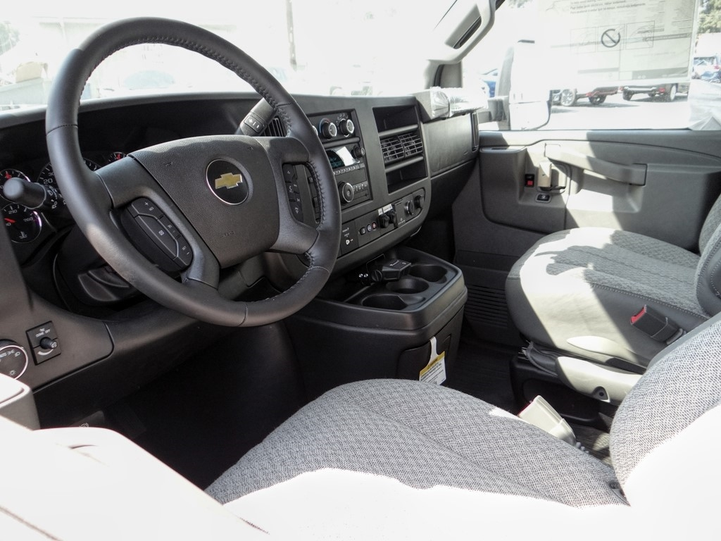 2020 Chevrolet Express 3500 4x2, Knapheide KUV Service Utility Van #C160414 - photo 3