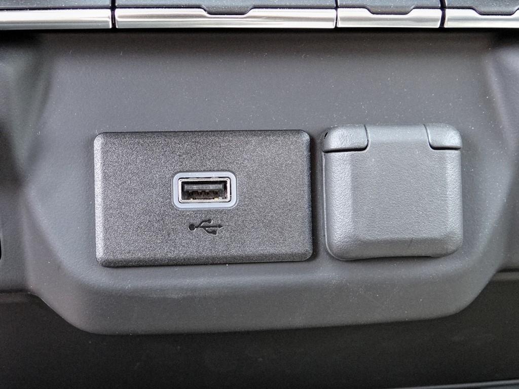 2020 Chevrolet Silverado 2500 Regular Cab 4x2, Royal Service Body #C160440 - photo 9