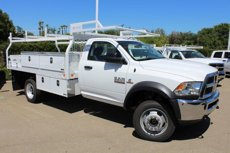 2018 Ram 5500 Regular Cab DRW 4x2,  Knapheide Contractor Body #R02253 - photo 3