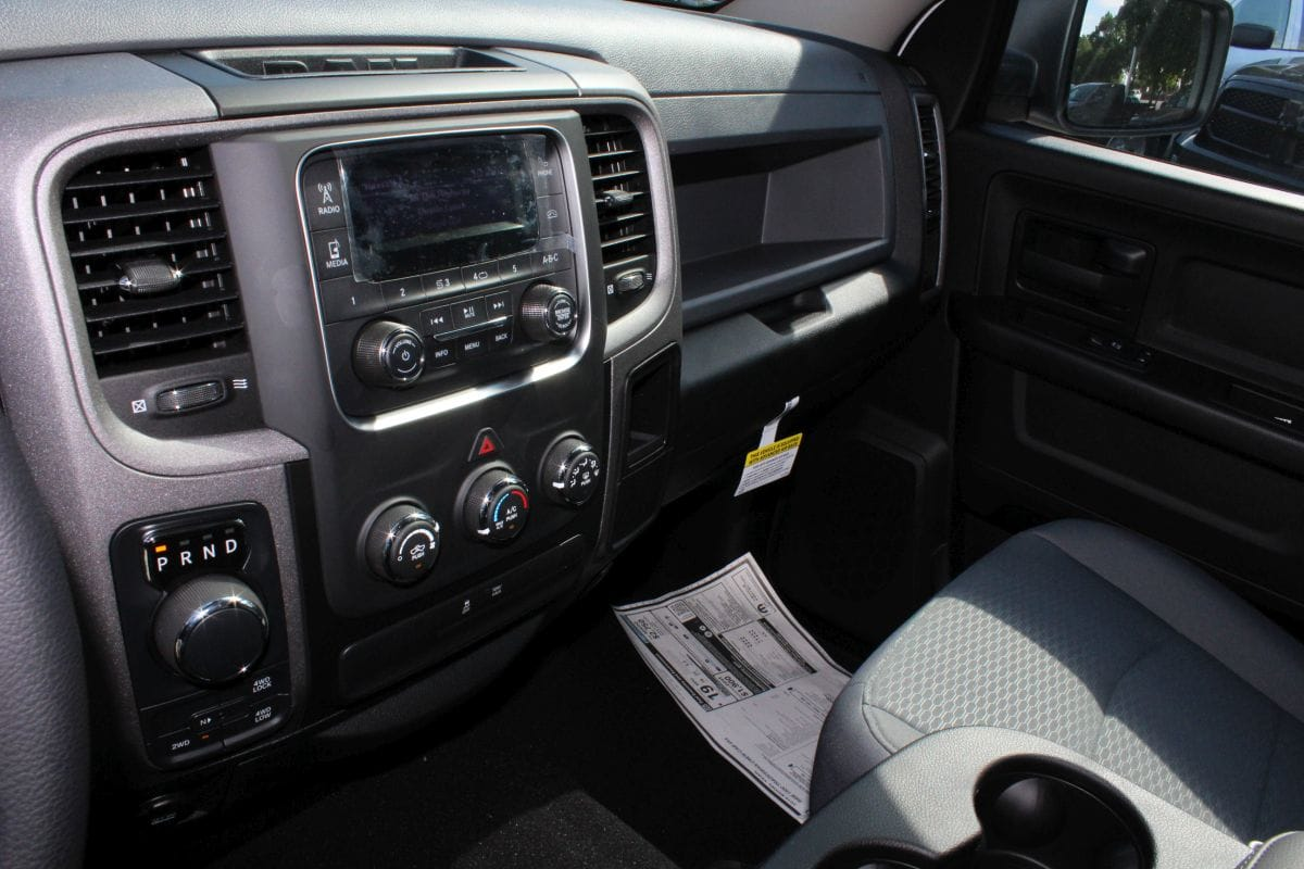 2018 Ram 1500 Crew Cab 4x4,  Pickup #R02553 - photo 10