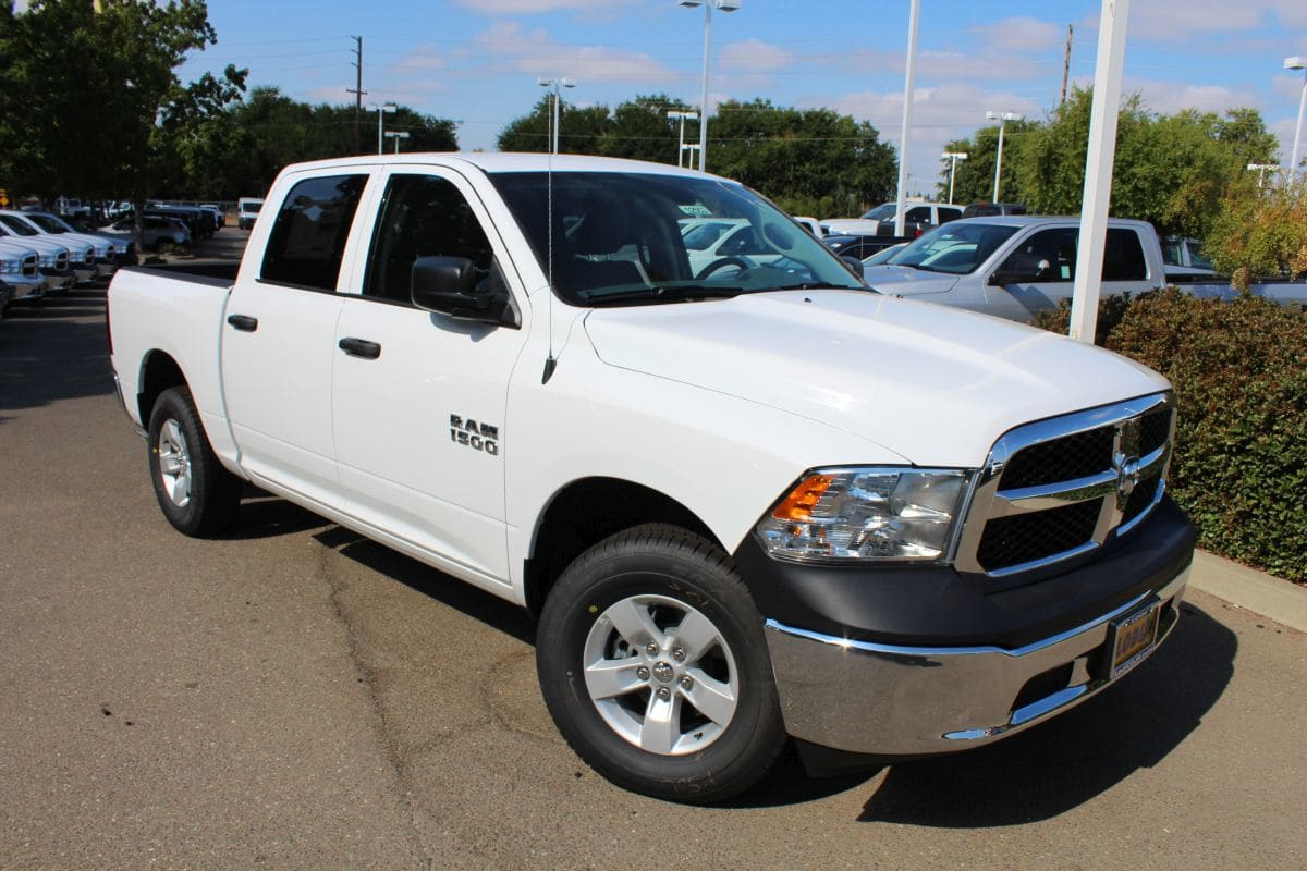 2018 Ram 1500 Crew Cab 4x4,  Pickup #R02553 - photo 3