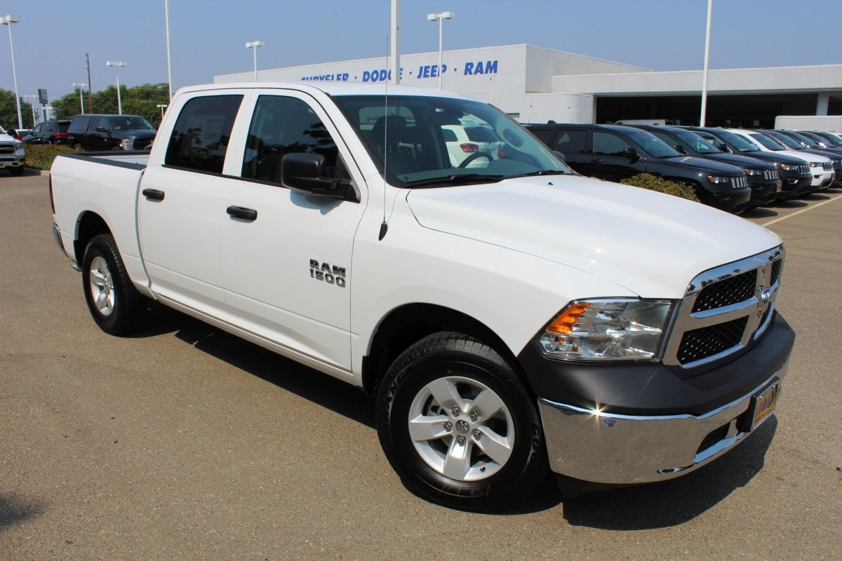 2018 Ram 1500 Crew Cab 4x2,  Pickup #R02660 - photo 3