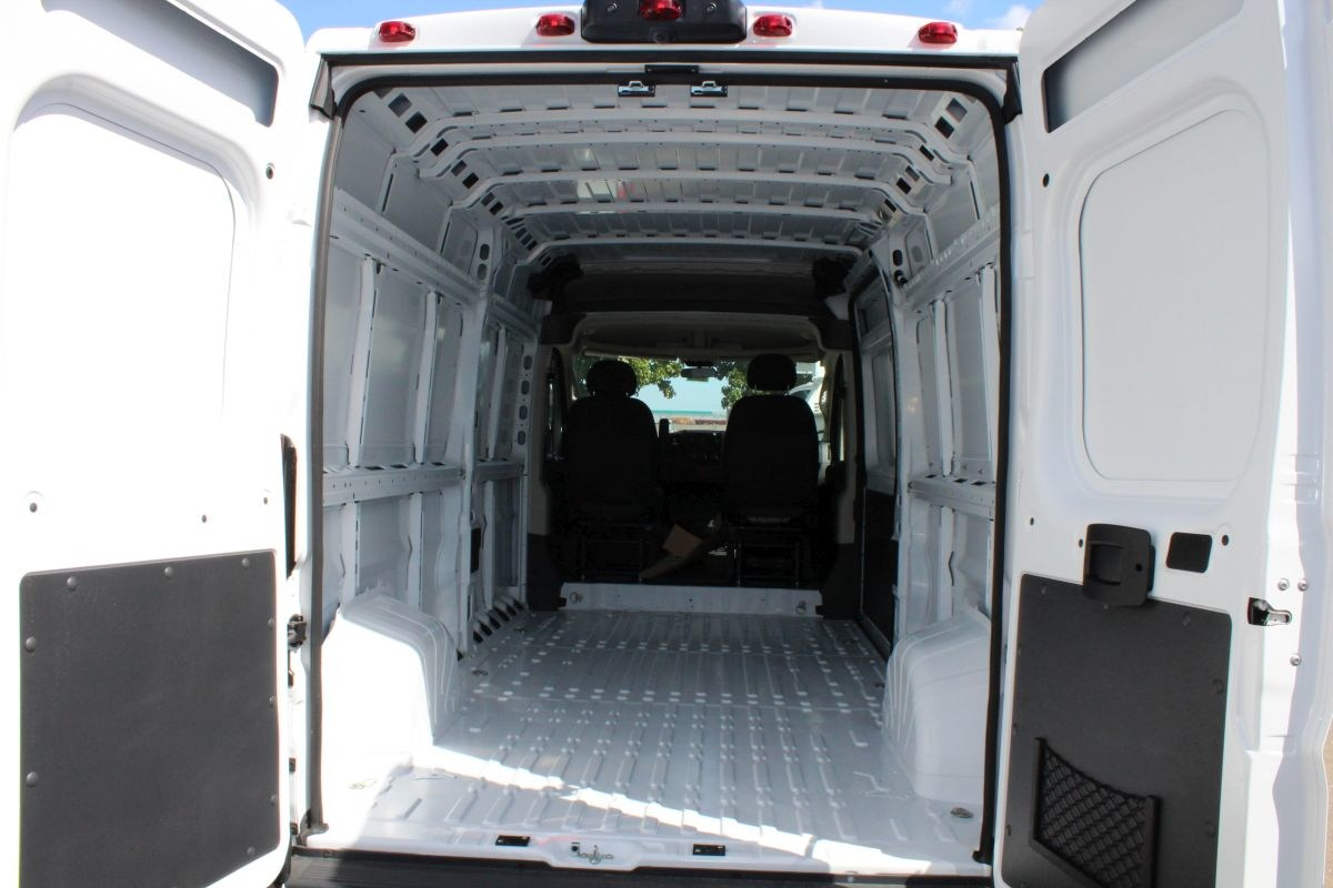 2018 ProMaster 2500 High Roof FWD,  Empty Cargo Van #R02773 - photo 2