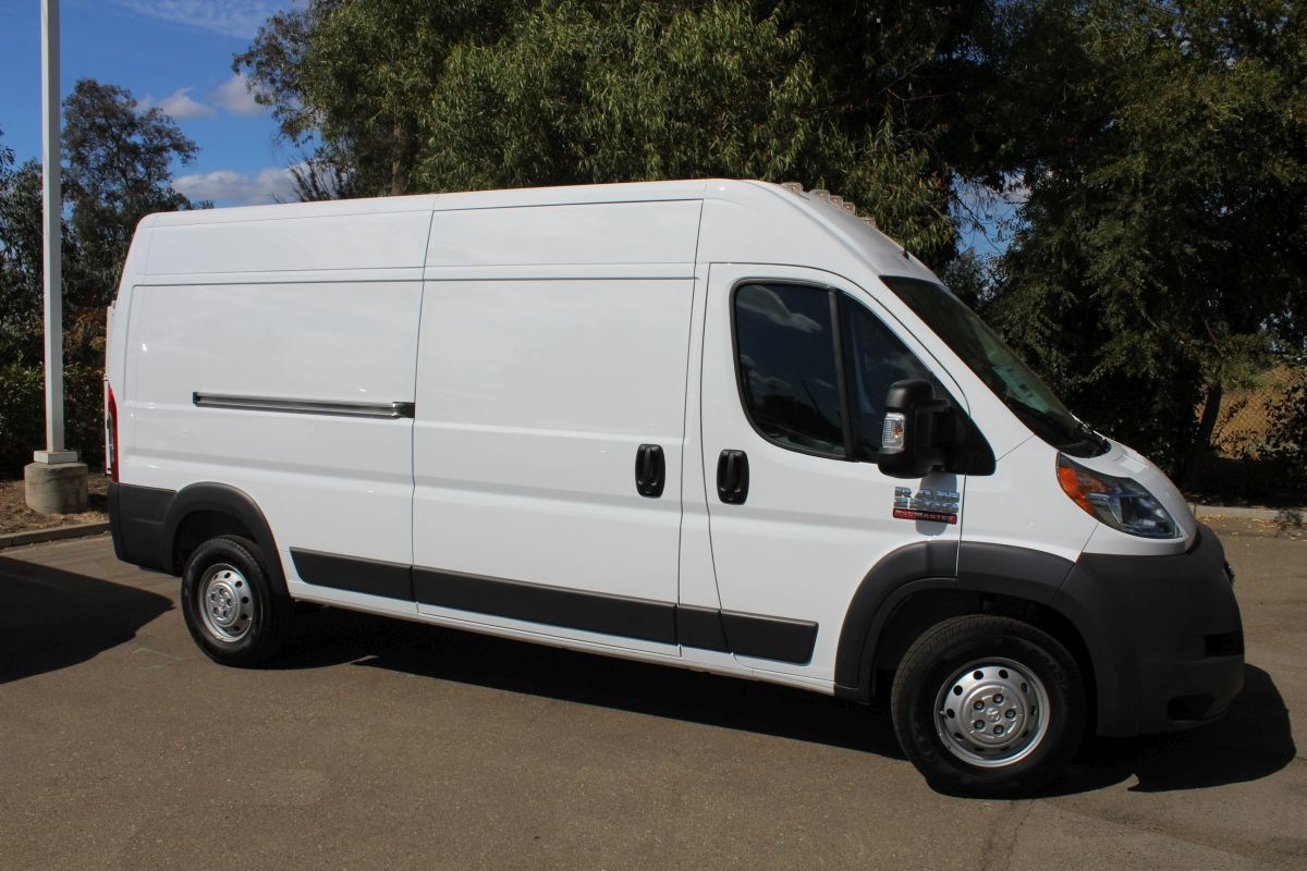 2018 ProMaster 2500 High Roof FWD,  Empty Cargo Van #R02773 - photo 4