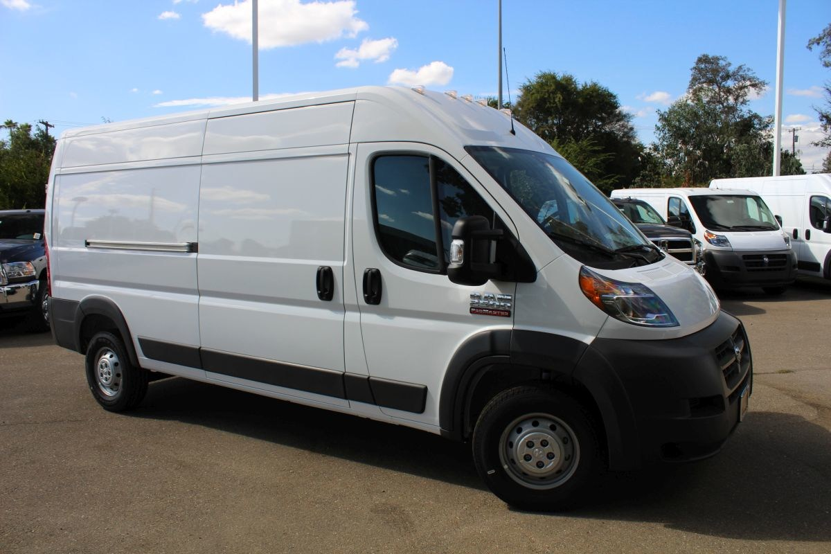 2018 ProMaster 2500 High Roof FWD,  Empty Cargo Van #R02774 - photo 3