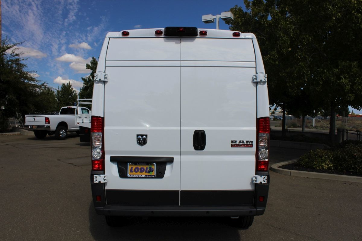 2018 ProMaster 2500 High Roof FWD,  Empty Cargo Van #R02774 - photo 4