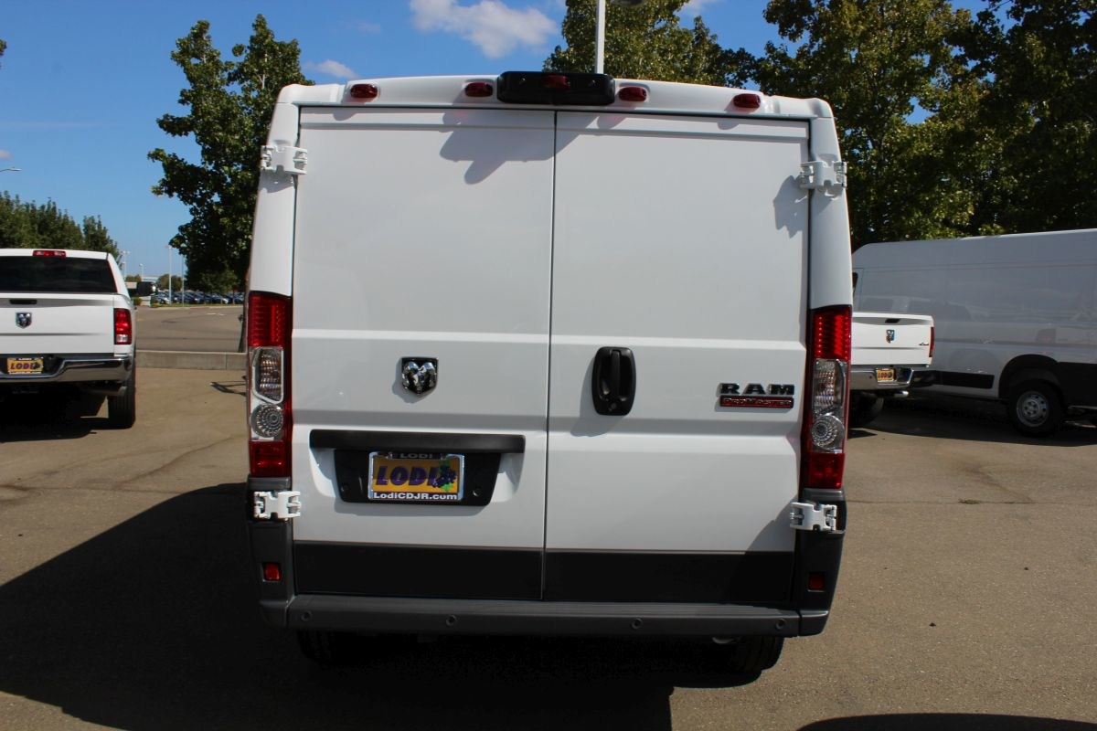 2018 ProMaster 1500 Standard Roof FWD,  Empty Cargo Van #R02775 - photo 5