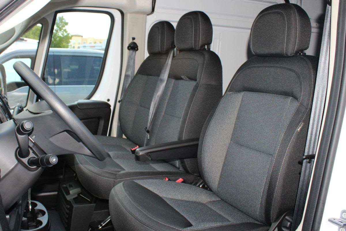 2018 ProMaster 3500 High Roof FWD,  Empty Cargo Van #R02910 - photo 12