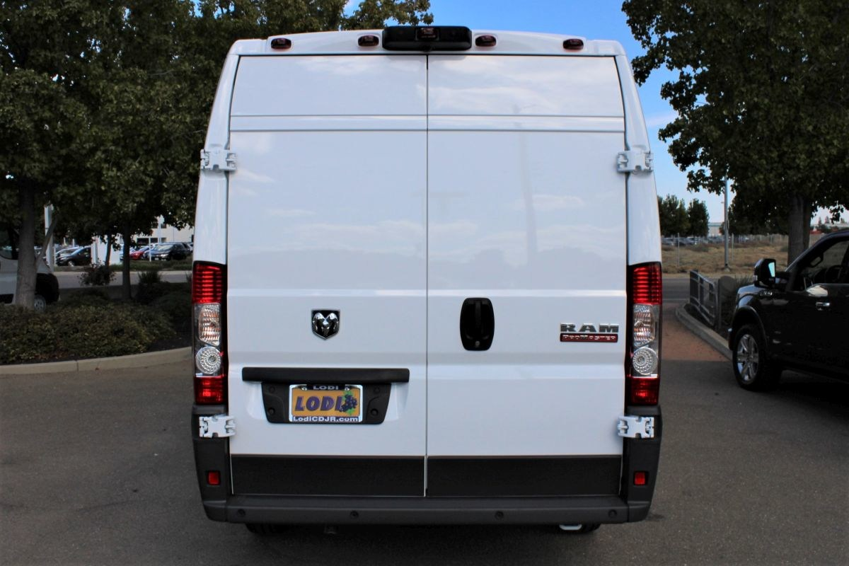 2018 ProMaster 3500 High Roof FWD,  Empty Cargo Van #R02910 - photo 4